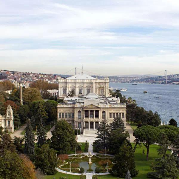 Dolmabahce Palace Tour and Bosphorus Cruise