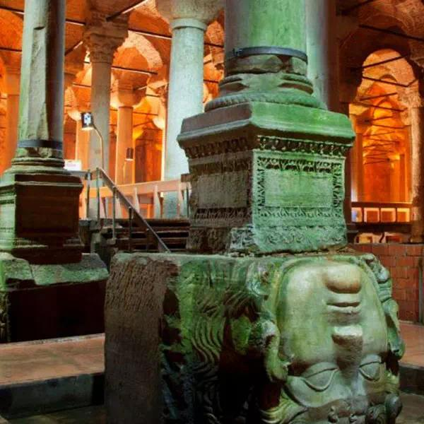 What to See in Basilica Cistern