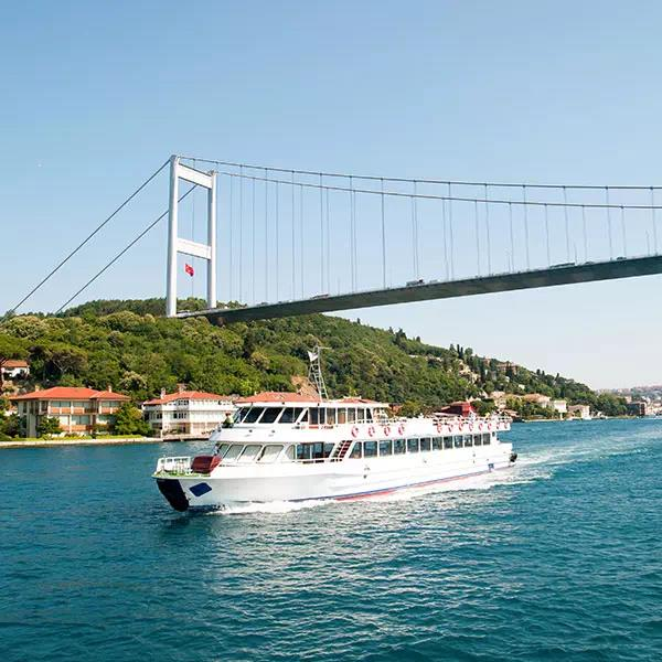 The best activity to do, Bosphorus Cruise