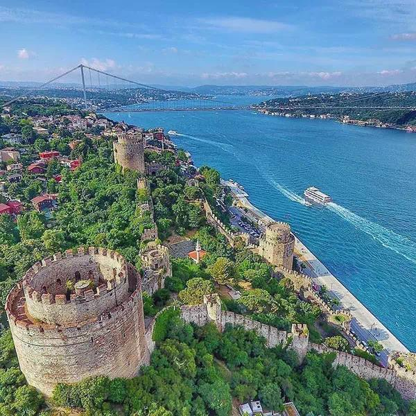 The Bosphorus under your feet, Rumeli Fortress