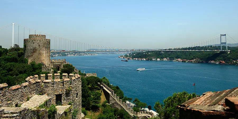 Full Day Istanbul Bosphorus and Black Sea Cruise with Lunch